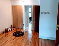 3 Bedrooms, Greenpoint Rental in NYC for $3,000 - Photo 1