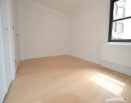 3 Bedrooms, Murray Hill Rental in NYC for $4,700 - Photo 1