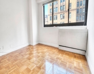 2 Bedrooms, Hell's Kitchen Rental in NYC for $3,100 - Photo 1