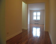 2 Bedrooms, Jackson Heights Rental in NYC for $2,400 - Photo 1