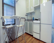 2 Bedrooms, Greenpoint Rental in NYC for $2,695 - Photo 1