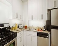 3 Bedrooms, Newport Rental in NYC for $5,170 - Photo 1