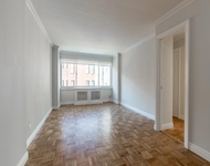 3BR at East 65th St. - Photo 1