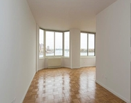 3BR at York Ave. - Photo 1
