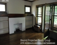3 Bedrooms, Oak Park Rental in Chicago, IL for $2,200 - Photo 2