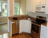 3 Bedrooms, Lake View East Rental in Chicago, IL for $2,500 - Photo 2