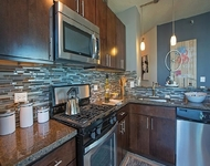 1 Bedroom, Gold Coast Rental in Chicago, IL for $2,285 - Photo 2