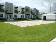 2 Bedrooms, Oakland Park Rental in Miami, FL for $2,000 - Photo 1