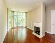 3 Bedrooms, Fulton Market Rental in Chicago, IL for $3,650 - Photo 2