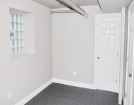 2 Bedrooms, Woodlawn Rental in Chicago, IL for $1,025 - Photo 2