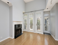 2 Bedrooms, Lincoln Park Rental in Chicago, IL for $3,400 - Photo 2
