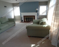2 Bedrooms, Griffith Rental in Chicago, IL for $1,000 - Photo 2
