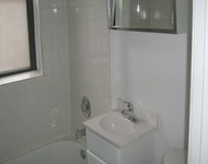 2 Bedrooms, Hyde Park Rental in Chicago, IL for $1,275 - Photo 1