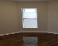 3 Bedrooms, Woodlawn Rental in Chicago, IL for $1,450 - Photo 1