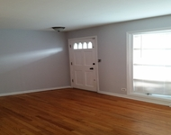 3 Bedrooms, River Forest Rental in Chicago, IL for $1,800 - Photo 1