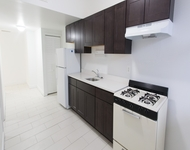3 Bedrooms, Hyde Park Rental in Chicago, IL for $2,234 - Photo 1