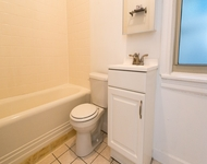 3 Bedrooms, Hyde Park Rental in Chicago, IL for $2,021 - Photo 1