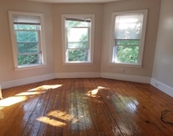 3BR at Woodlawn Ave. - Photo 1