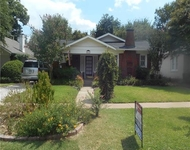 2 Bedrooms, Arlington Heights Rental in Dallas for $2,100 - Photo 1