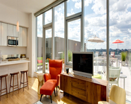 2 Bedrooms, Hell's Kitchen Rental in NYC for $7,494 - Photo 1