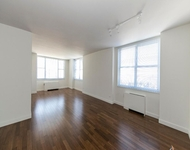 3 Bedrooms, Sutton Place Rental in NYC for $5,800 - Photo 1