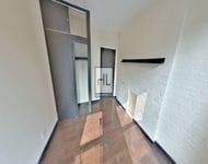 2 Bedrooms, Yorkville Rental in NYC for $2,000 - Photo 1