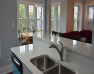 2 Bedrooms, Lake View East Rental in Chicago, IL for $2,495 - Photo 1