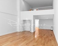 3 Bedrooms, Financial District Rental in NYC for $5,074 - Photo 2