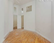 2 Bedrooms, Hudson Square Rental in NYC for $5,400 - Photo 2