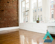 2 Bedrooms, Greenpoint Rental in NYC for $3,190 - Photo 1