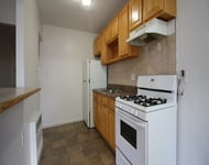 3 Bedrooms, Rego Park Rental in NYC for $2,399 - Photo 2