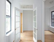 2 Bedrooms, Carnegie Hill Rental in NYC for $3,495 - Photo 2