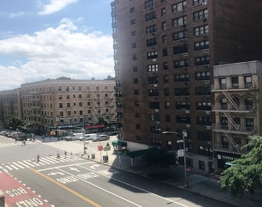 435 East 79th Street - Photo Thumbnail 8