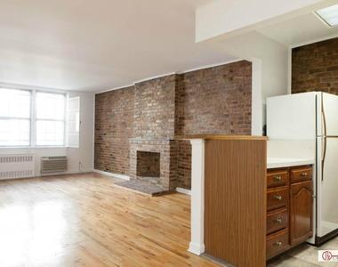 530 East 89th Street, New York City, New York 10128