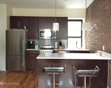 6 Charles Street, New York City, New York 10014