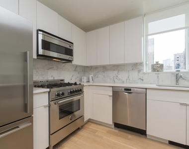 515 9th Avenue, New York City, New York 10018