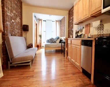 814 10th Avenue, New York City, New York 10019