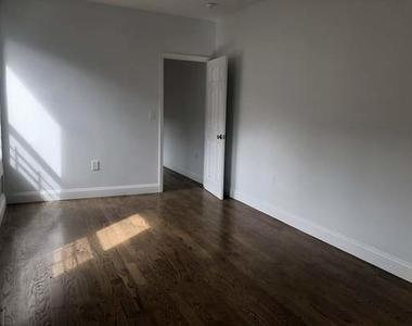 424 East 116th Street - Photo Thumbnail 5