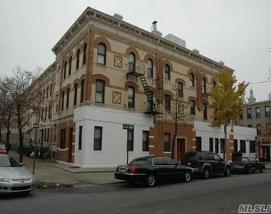 803 Onderdonk Avenue - Photo Thumbnail 1