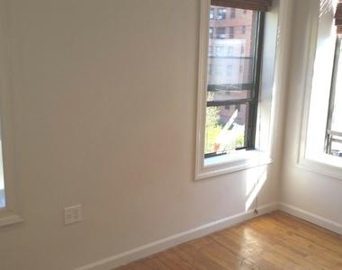 753 East 6th Street - Photo Thumbnail 2