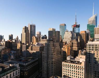 6th Avenue - Photo Thumbnail 7