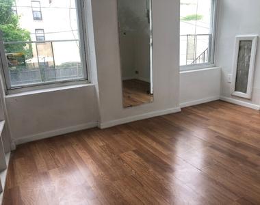 735a Quincy Street - Photo Thumbnail 3