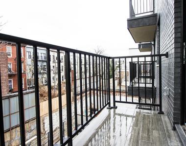700 Hart Street - Photo Thumbnail 2