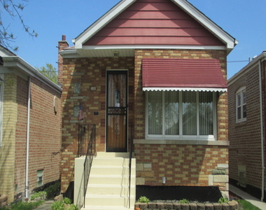 4829 South La Crosse Avenue, Chicago, Illinois 60638