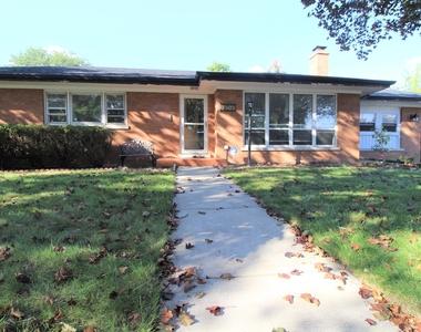 7303 North Karlov Avenue, Lincolnwood, IL 60712