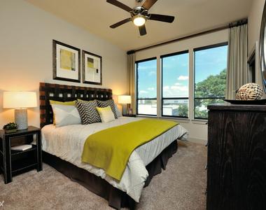 1712 W Dallas St - Photo Thumbnail 0