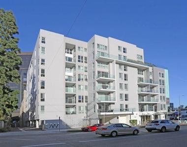 1168 S Barrington Ave - Photo Thumbnail 21