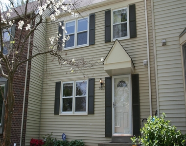 9073 Loreleigh Way, Merrifield, Virginia 22031