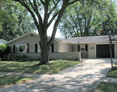 502 West State Street, North Aurora, Illinois 60542