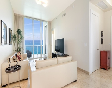 16001 Collins Ave - Photo Thumbnail 0
